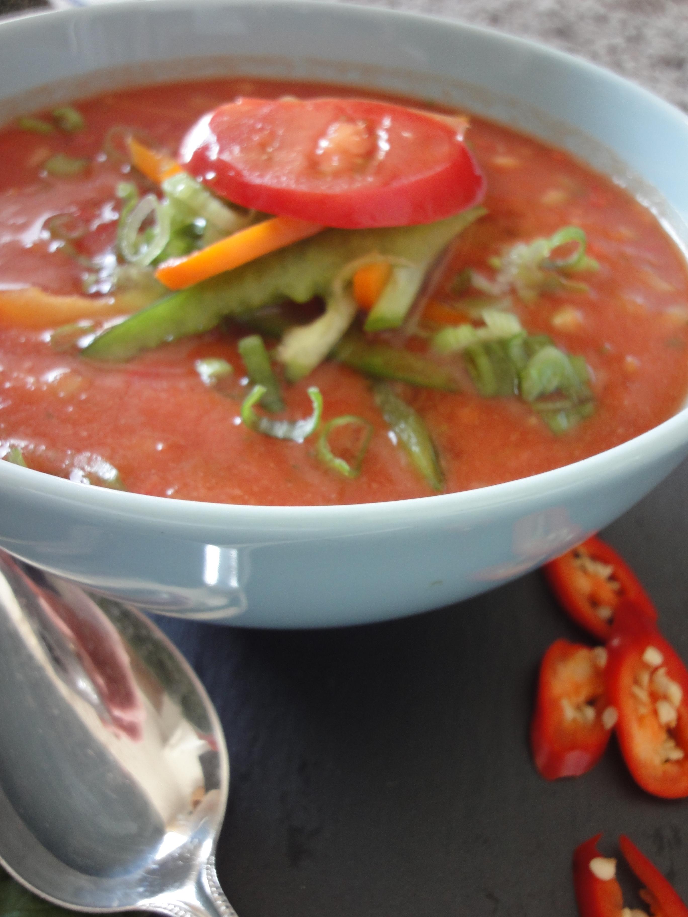gazpacho kalte tomatensuppe delicious dishes around my kitchen. Black Bedroom Furniture Sets. Home Design Ideas