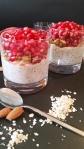 Granatapfel- Overnight-Oats mit karamellisierten Mandeln & Chia Shots