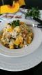 Safran- Risotto mit Butternut- Kürbis, Mangold und Mandeln