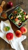 Rucolasalat mit Weinberg- Pfirsichen