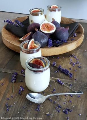 Bayrische Creme mit Lavendel und Feigen